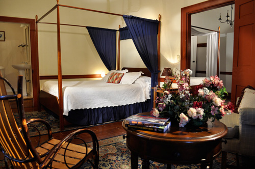 Adjoining rooms, each with a double size four poster bed at the Jean Bonnet Tavern, Bedford, PA